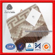 NO.1 China blanket factory Folding portable travel ,home textile, cheap popular plaid picnic blanket