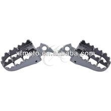Footpegs Footrest For Yamaha YZ125 YZ250 1999-2005 2000 2001 2002 2003 2004