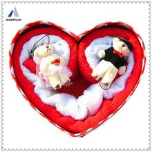 Mountain Hot Design Heart Shape Made In China Wedding Candy Box