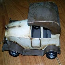 Vieux fer blanc modèle de voiture pour vente et Mini de voiture en métal Antique