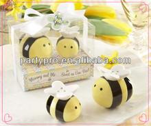 2014 Energetic Yellow Bee Salt & Pepper Shakers Set for Wedding Gift