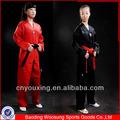 Baratos negro/rojo v- cuello artes marciales ropa/uniforme de taekwondo
