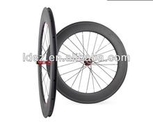 ขายส่งชิ้นส่วนจักรยานคาร์บอน700cล้อจักรยาน88mmศูนย์กลางnovatecกับร่างกายเทปshimano