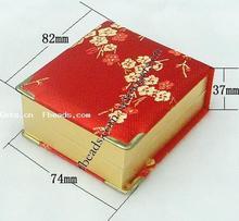 flower pattern satin pendant box