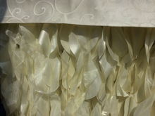new fashion curly willow table skirt--ivory