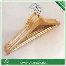 Wholesale best quality supermarket style wooden swivel hook hangers