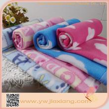 Doux gros design moderne couverture de bébé en tricot modèles de livraison