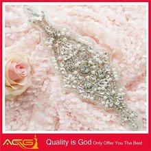 new hot sale Custom Design bling mesh handmade beaded wedding favor crystal perfume bottle
