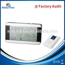 Wireless digital clock with temperature sensor