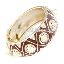 yiwu 2014 fashion rivet bracelet bangle
