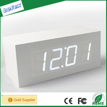 High Quality Mini LED Wooden Desktop Clock for Home Table