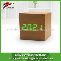 2014 mini homy decorative table cubic clock