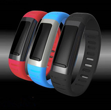 2014 newest products U See wrist watch mobile phone on sale shenzhen