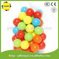 coloridos de plástico macio jogar bola com pebd enviormetal matetial para crianças