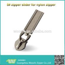 2014 hot sale new shape 5# plating alloy zipper slider head and pull for handbag ,garment