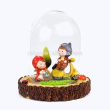 Zakka clear decorative glass dome with polyresin