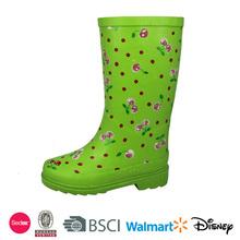 fashion design and comfortable camo rain boot