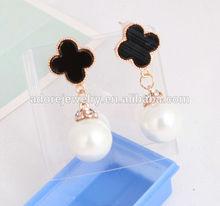 Clover Shape pearl earring fashion small gold earrings