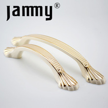 Fashion furniture bedroom furniture hardware made in China die casting cabinet handle,Fancy cabinet handle