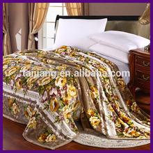 2014 new design fashionable plain color super soft flannel 100% polyester blanket