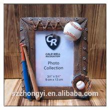 china factory ODM & OEM fashion polyresin baseball photo frame