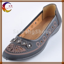 Made in China PU injection very cheap summer new style shoes