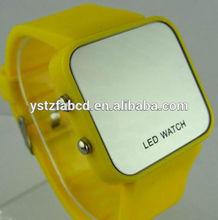 2014 new delicate design customized logo digital silicone nurse watch
