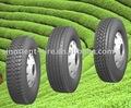 camiones y neumáticos del autobús
