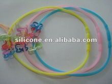 2012 promotional fashion silicone necklace (glow in dark)