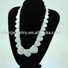 fashion elegant heart shaped natural shell necklace