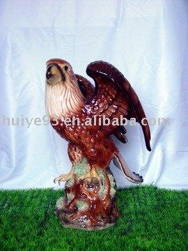 Águila de cerámica