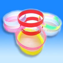 2012 glowing silicone bracelet /wristband/band