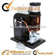 Neuer pneumatischer Knopf, der Maschine herstellt