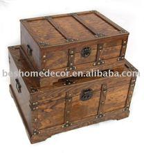pine wood antique trunk