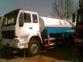 howo camión tanque de aceite 4x2