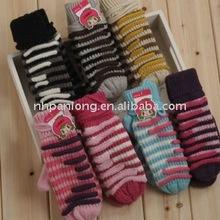2012 low price high quality,hot sale Baby cotton gloves&children winter gloves&fingerless knitting pattern gloves