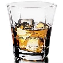 whisky glass/whiskey tumbler