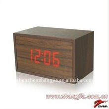 2012 promotional Mini LED Digital table wooden clock