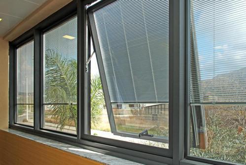 Motorized insulated glass blind buy sliding glass doors for Motorized sliding door blinds