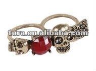 fashion diamond skull wedding two finger ring