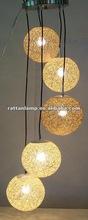 Bola- em forma de série lâmpadas penduradas