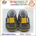 famoso bebé deportes zapatos con un diseño lindo