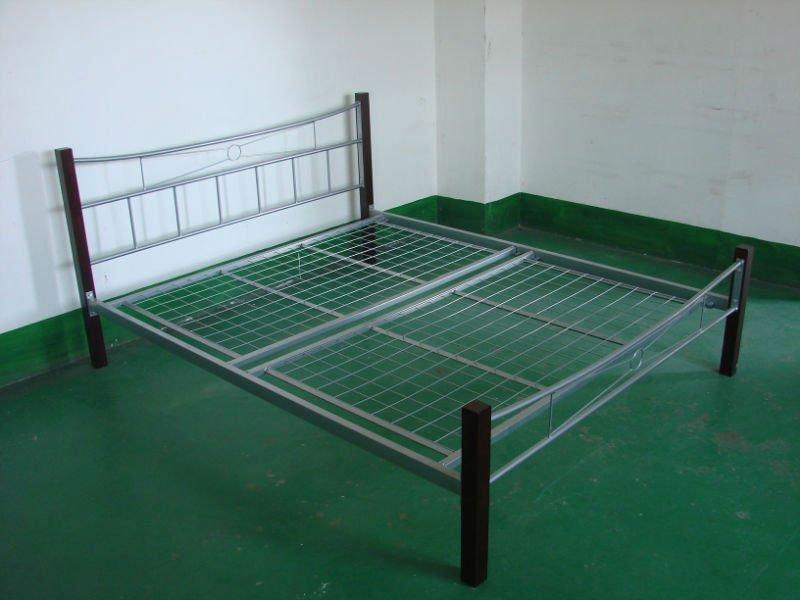 Negro forjado cama de hierro con base de malla de juego de dormitorio