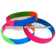 1-inch Popular Silicone Wristband with Fashion Trend Logo Label, Eco-friendly and Harmless Material