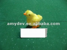 2012latest item plastic wind up Chicken candy toys