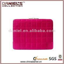 2012 Fashion design pink 14 inch laptop sleeve