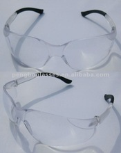 Anti-fog safety goggles. safety glasses.