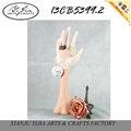 高品質の装飾的な樹脂リングホルダーの手の形、 女性の宝石類のホルダー人形