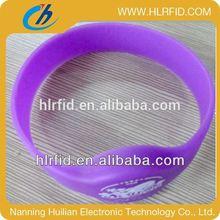 Adjustable Custom Waterproof Silicone Smart Wristband plastic rfid wristband&bracelet supplier