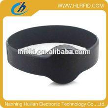Adjustable Custom Waterproof Silicone Smart Wristband silk screen logo printing rfid wristband/rfid bracelet